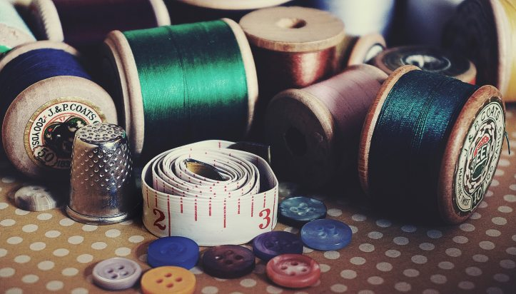 arts-and-crafts-bobbin-buttons-1232131