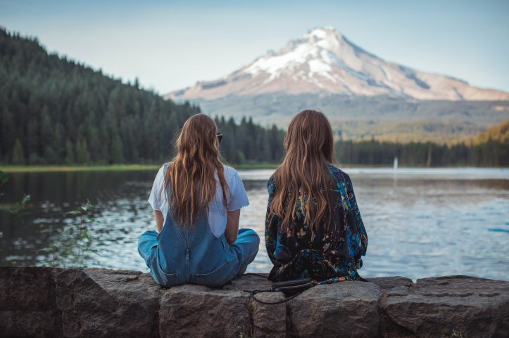 back-view-background-bestfriends-2609463